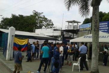 Funcionarios del Inpec completan un día en 'Operación Reglamento'