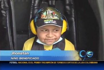 La Fuerza Aérea invitó a volar en helicóptero a niños con cáncer