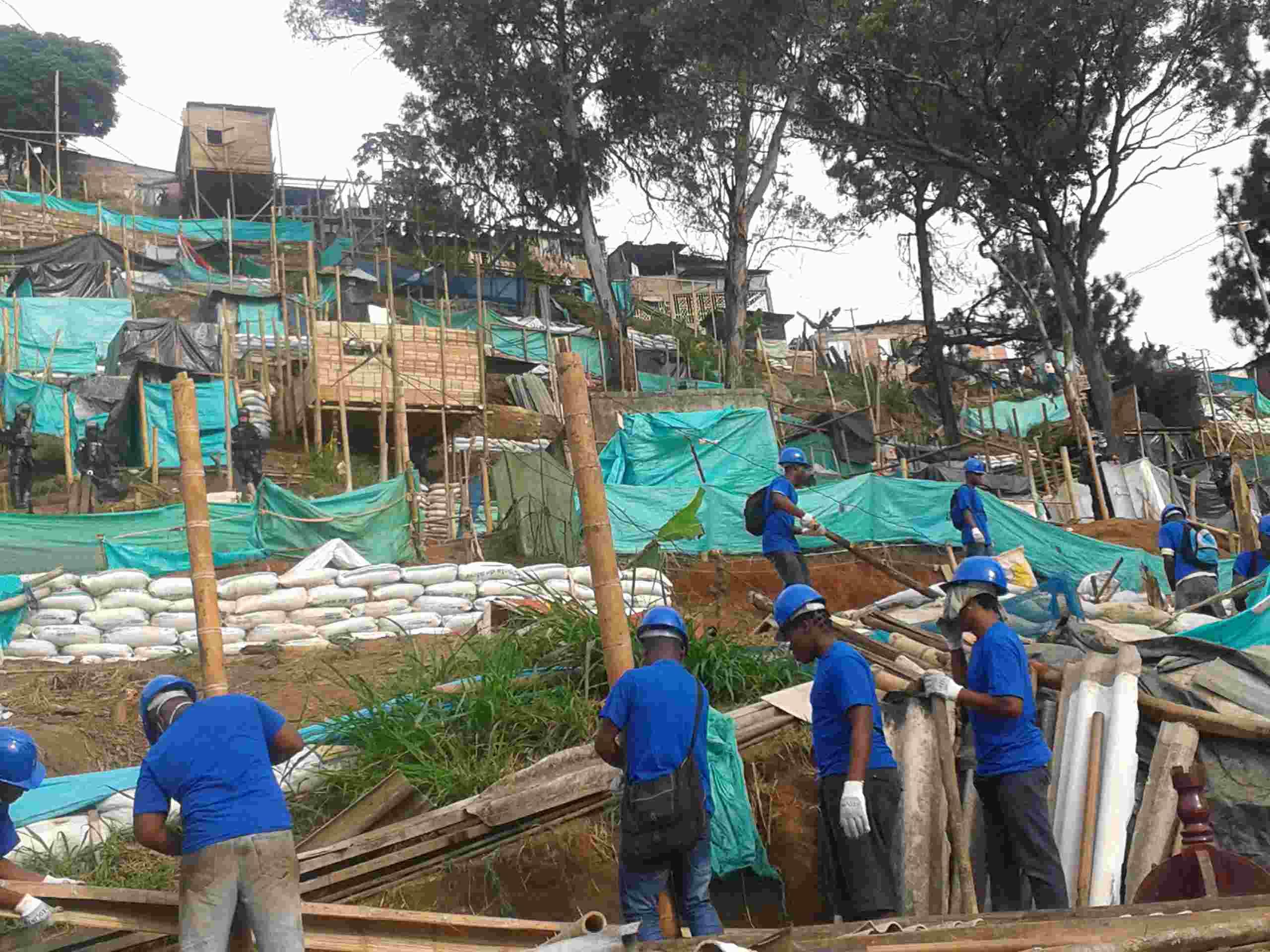 Disturbios durante desalojo de 150 familias en Los Chorros