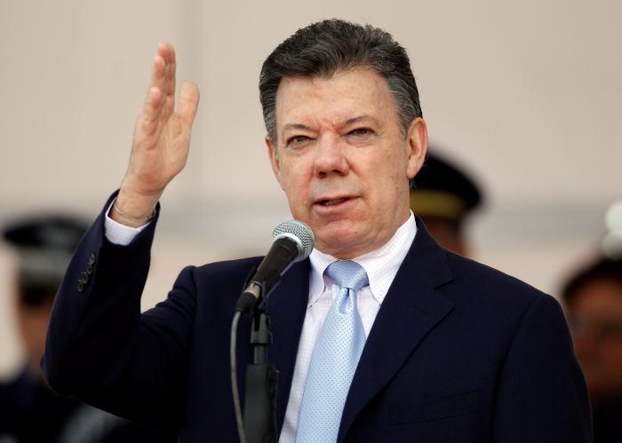 Santos eliminaría servicio militar obligatorio si es reelegido