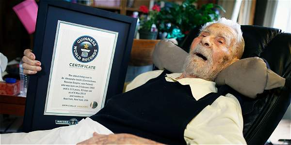 El hombre más anciano del mundo muere en Nueva York a sus 111 años