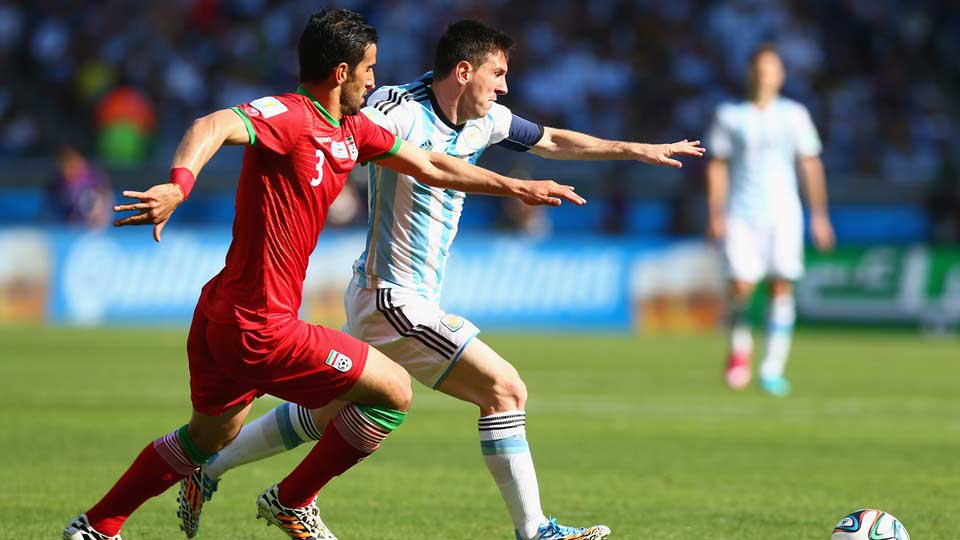Argentina ganó al borde de la cornisa