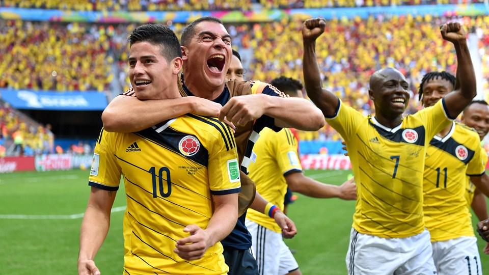 Selección e hinchas celebraron por victoria ante Costa de Marfil
