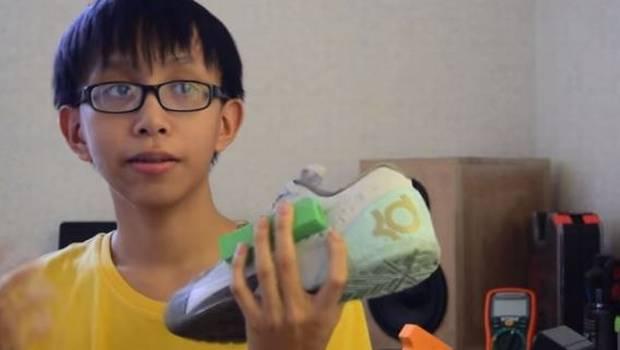 Joven filipino crea una zapatilla que genera electricidad