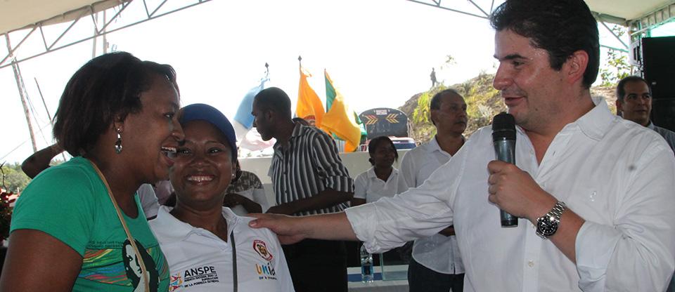 Ministro de Vivienda entregó 700 casas en Buenaventura