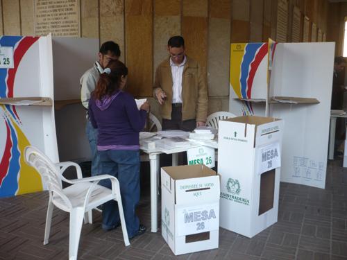 Con normalidad inició la jornada electoral en Colombia