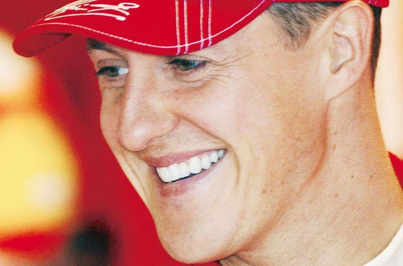 Schumacher sale del coma pero continúa en hospitalización