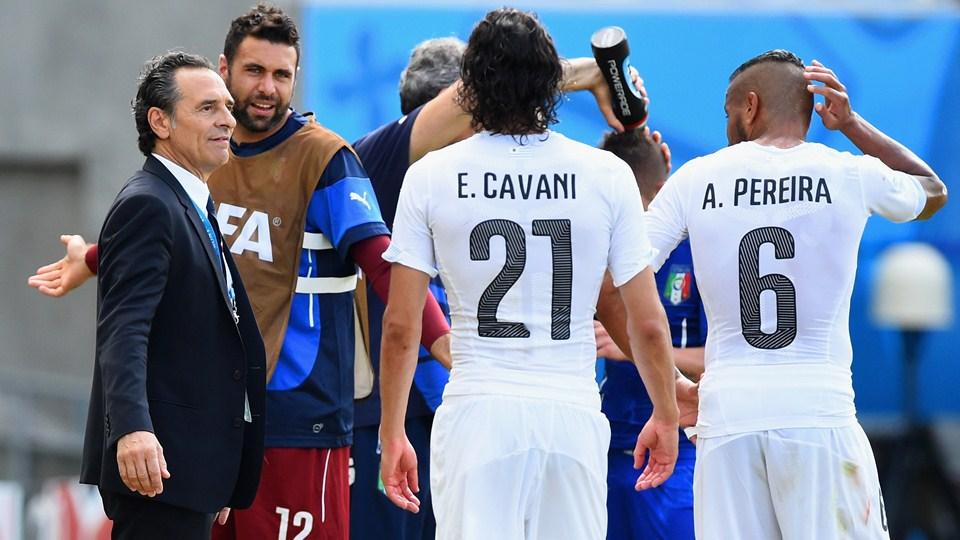 Uruguay le ganó a Italia y está en octavos de final