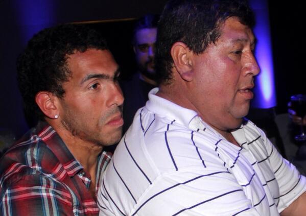 El padre del futbolista Carlos Tévez fue secuestrado en Argentina