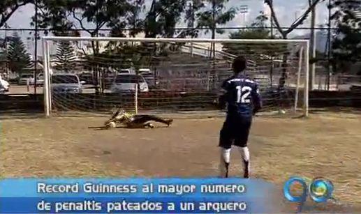 Un colombiano buscará batir un Record Guinness atajando penales
