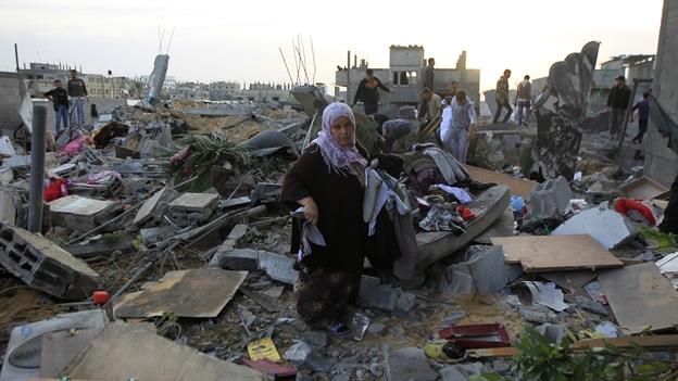 Más de 50 muertos y 300 heridos por ataques en Gaza