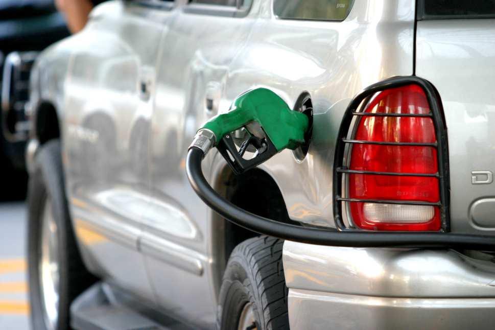 Suben los precios de la gasolina y del acpm en Colombia