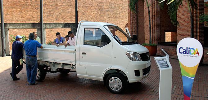 Alcaldía entregará 165 camionetas para sustituir carretillas