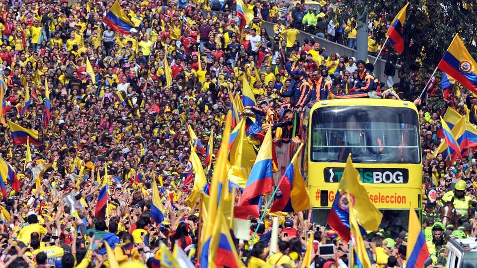 Fiesta colombiana por arribo de la Selección a Bogotá