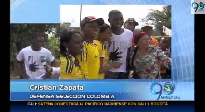 Cristian Zapata recibe homenaje en su pueblo natal
