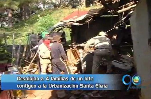 Desalojan cuatro familias en el sector de Altos de Santa Elena