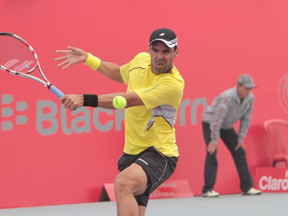 Falla y González avanzan a octavos de final del Claro Open