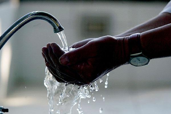 Gobierno anunció sanciones para quienes derrochen agua