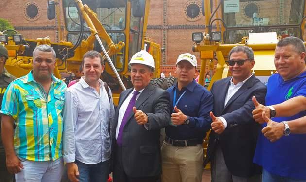 21 municipios del Valle recibieron maquinaria amarilla