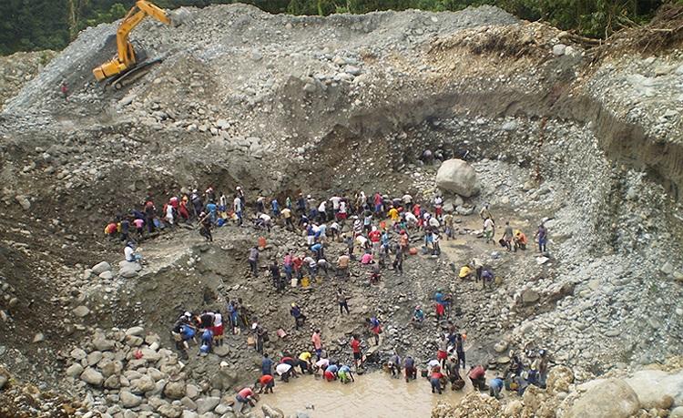 Siete personas murieron por derrumbe de mina en Timbiquí