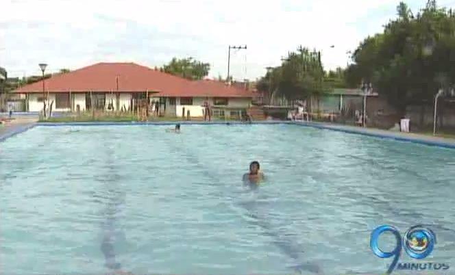 Autoridades solicitan más vigilancia a los niños en las piscinas