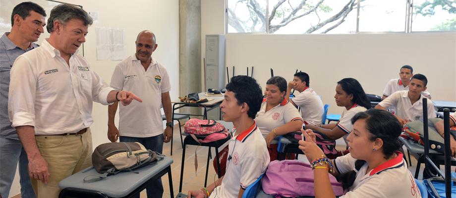 Santos asistió a inauguración de Ciudadela Educativa en Buga