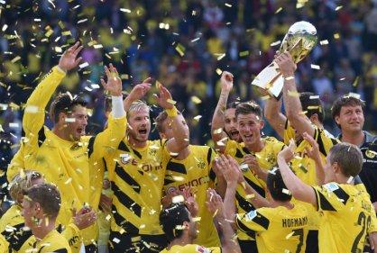 El delantero Adrian Ramos es campeón de la Supercopa de Alemania