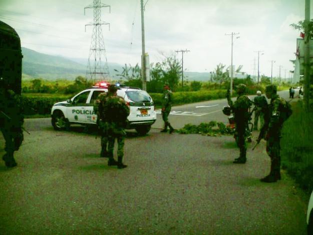 Tres policías muertos por atentado de las Farc en El Bordo