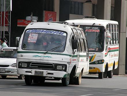 Protestas en la Av. Pasoancho por operativos del Tránsito contra Coomoepal