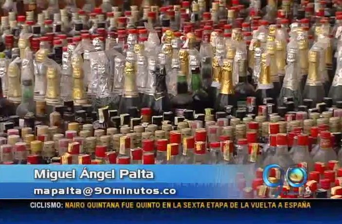Destruyen más de 15 mil botellas de licor ilegal