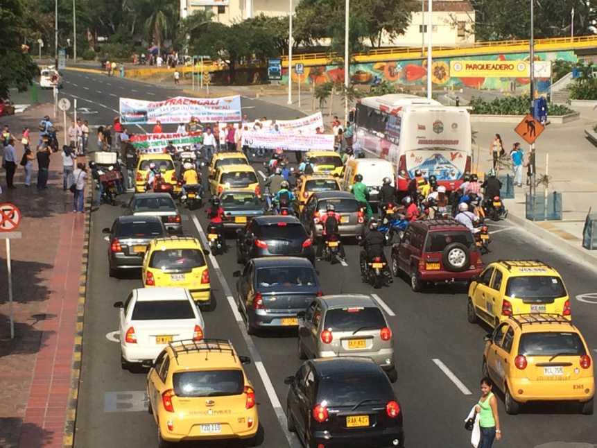 Miembros de Sitraemcali protestaron para exigir la terminación del contrato con la firma Baliza S.A.S.