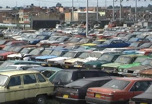 Subastarían más de 13 mil carros y motos de los patios de Cali