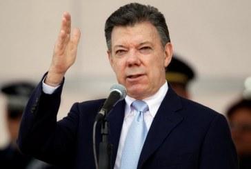 Juan Manuel Santos eliminaría por completo reelecciones