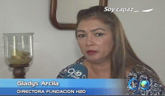 Murió mujer víctima de cáncer asociado a implantes mamarios