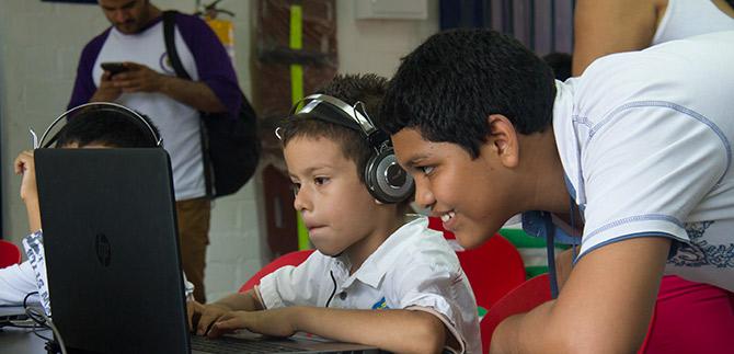 Colegios oficiales de Cali recibirán 400 nuevos computadores