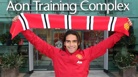 Es oficial, Falcao es el nuevo jugador del Manchester United
