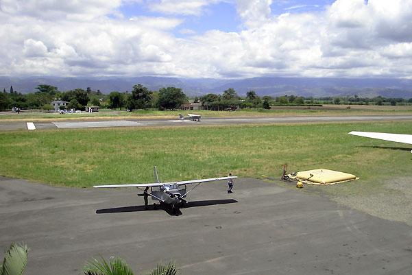 Una avioneta de las FAC se accidentó en el aeropuerto de Farfán, Tuluá