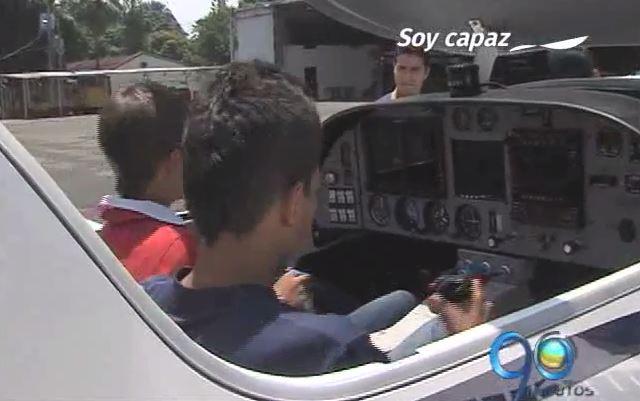 Niños de la Institución San José fueron pilotos por un día
