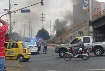 #Video90: Trabajadores de Sintraemcali bloquean Autopista