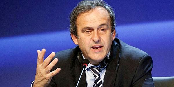 """Platini propone cambios en reglamentos en su libro """"Hablemos de fútbol"""""""