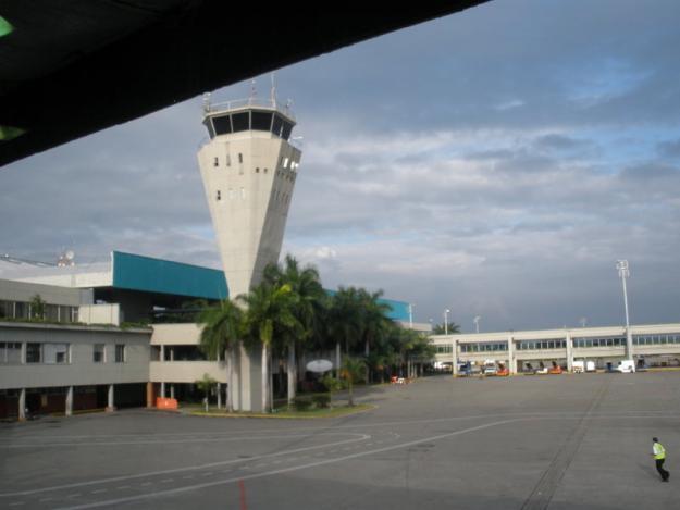 Reactivan servicio en aeropuerto Alfonso Bonilla Aragón