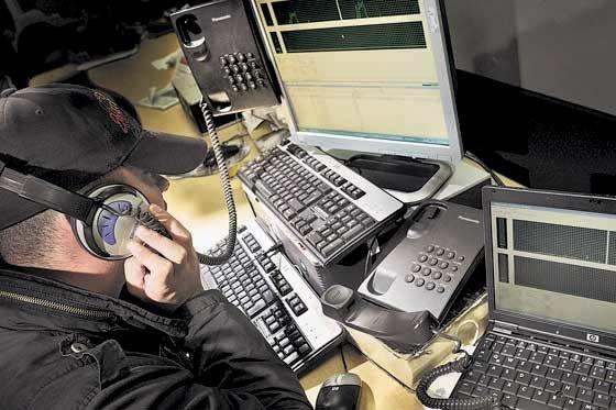 Ejército abre investigación por lista de periodistas en mano de militares
