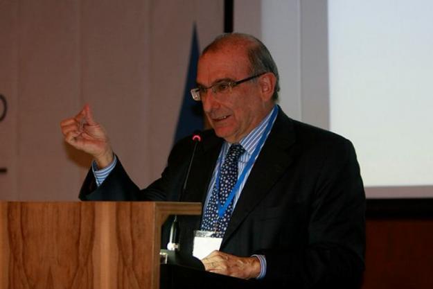 Humberto De La Calle declarará ante la Fiscalía por 'chuzadas' en su contra