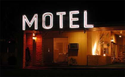 Piden explicaciones por jugadoras de fútbol hospedadas en moteles