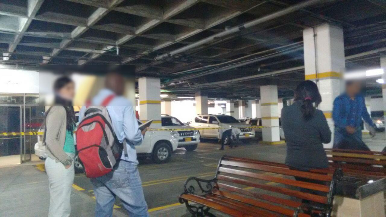 Tiroteo deja un muerto en Centro Comercial en el sur de Cali