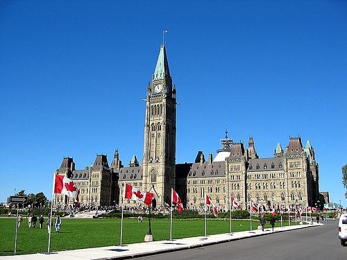 Dan de baja a sospechoso de tiroteo en el Parlamento de Canadá