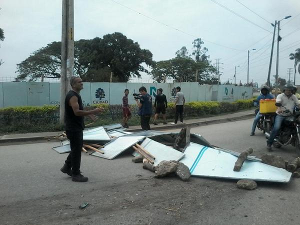 Protesta en Juanchito por falta de polideportivo