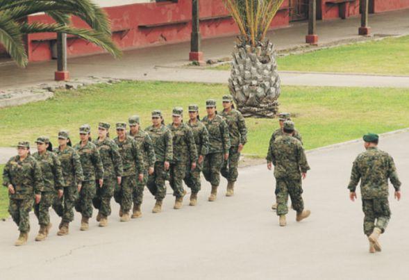 Servicio militar también sería obligatorio para mujeres