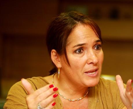 Llaman a declarar a senadora Susana Correa por caso de chuzadas