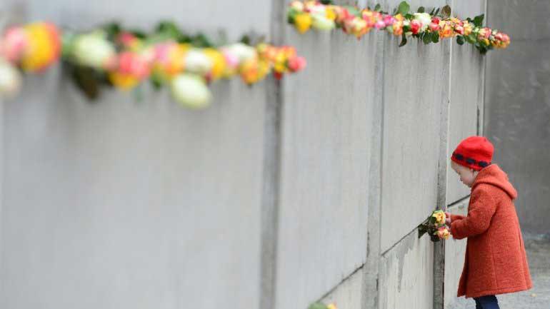 Alemania conmemoró los 25 años de la caída del muro de Berlín